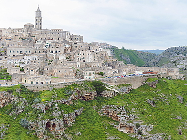 View of the ancient village of Sassi, they are composed of the Sasso Caveoso and the later Sasso Barisano, Matera, Basilicata, Italy, Europe