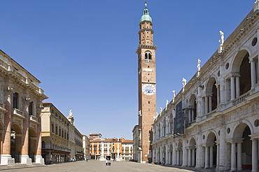 The Piazza dei Signori and the 16th century Basilica Palladiana, Vicenza, Veneto, Italy, Europe