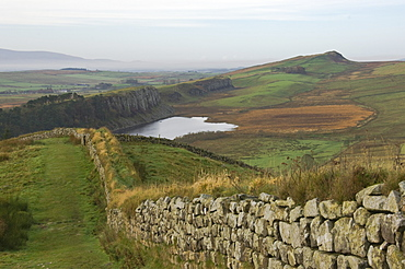 Westward to Crag Lough and Windshields Crag, Hadrians Wall, UNESCO World Heritage Site, Northumbria National Park, Northumberland, England, United Kingdom, Europe