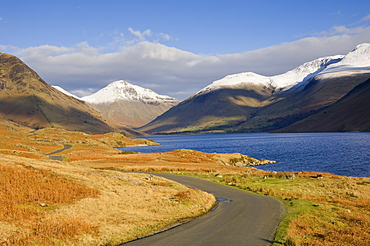 The road alongside Wastwater to Wasdale Head and Yewbarrow, Great Gable and the Scafells, Wasdale, Lake District National Park, Cumbria, England, United Kingdom, Europe