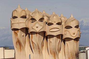 Singing chimneys, The Pop Girls, on the roof of La Pedrera (Casa Mila), an apartment block on Passeig de Gracia, designed by Antonio Gaudi, UNESCO World Heritage Site, Barcelona, Catalunya, Spain, Europe