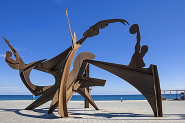 Athletic metal sculpture by Alfredo Lanz on the promenade at Barceloneta, Barcelona, Catalunya, Spain, Europe