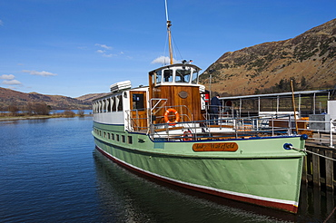 Tourist pleasure cruiser Lady Wakefield, awaiting passengers at Glenridding, Lake Ullswater, Northern Lakes, Lake District National Park, Cumbria, England, United Kingdom, Europe