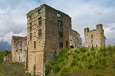 The 12th century  Medieval castle, east tower and the 16th century Tudor Mansion, Helmsley, North Yorkshire National Park, Yorkshire, England, United Kingdom, Europe