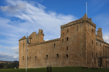 Linlithgow Palace, built in the 15th century, birthplace of Mary Queen of Scots in 1542, Linlithgow, West Lothian, Scotland, United Kingdom, Europe
