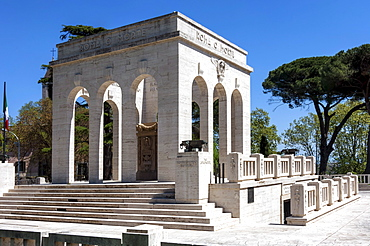 Monument to Italian Patriots who died during the Independence Wars, under Giuseppe Garibaldi, Janiculum area, Trastevere, Rome, Lazio, Italy, Europe