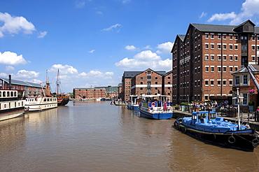 Gloucester Historic Docks, tourist vessels and former warehouses, Gloucester, Gloucestershire, England, United Kingdom, Europe