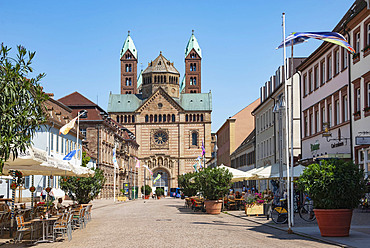 The 11th century Romanesque Cathedral, Domplatz, Speyer, Rhineland Palatinate, Germany, Europe