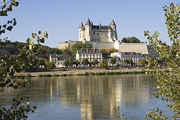 View across the River Loire to the Chateau de Saumur, Maine-et-Loire, Pays de la Loire, France, Europe