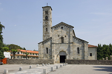 12th century Chiesa Parrochiale, contains fragments of ancient frescoes, above Lake Orta, Italy, Europe