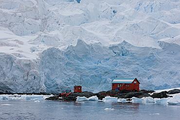 Glacier, Argentine Research Station, Paradise Bay, Antarctic Peninsula, Antarctica, Polar Regions