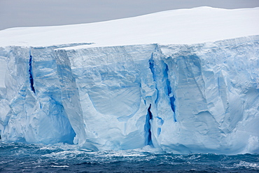 Tabular iceberg, Southern Ocean, Antarctica, Polar Regions