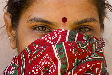 Teenage girl, Tala, Bandhavgarh National Park, Madhya Pradesh, India, Asia