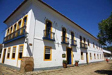 The exterior of Pousada do Sando luxury hotel, a typical colonial house in the historic part of Paraty (Parati), Rio de Janeiro State, Brazil, South America