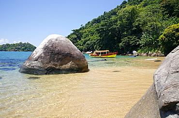 Vermelha Beach near Paraty (Parati), Rio de Janeiro State, Brazil, South America
