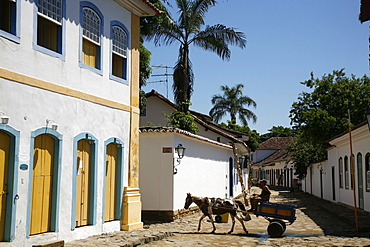 Typical colonial houses in the historic part of Paraty (Parati), Rio de Janeiro State, Brazil, South America