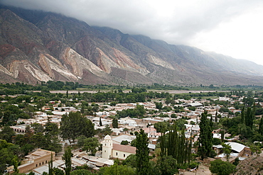 View over Maimara and Paleta del Pintor (Painters Palette) mountains, Quebrada de Humahuaca, UNESCO World Heritage Site, Jujuy Province, Argentina, South America