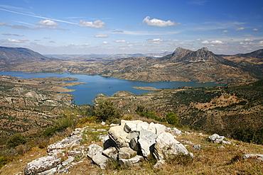 View over the Embalse de Zahara reservoir, Parque Natural Sierra de Grazalema, Andalucia, Spain, Europe