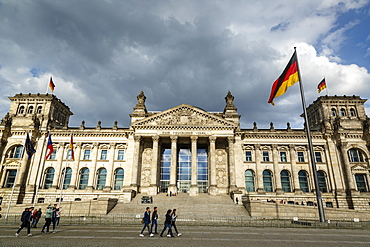 The Reichstag (German Parliament building), Mitte, Berlin, Germany, Europe