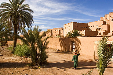Taourirt Kasbah (mud fortress), Ouarzazate, Atlas mountains, Morocco, North Africa, Africa