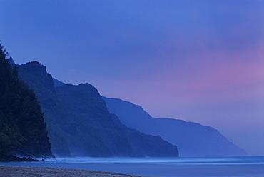 Na Pali coast from Ke's Beach, on the island of Kauai, Hawaii, Hawaiian Islands, United States of America, Pacific, North America