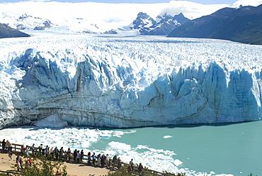 Perito Moreno Glacier, Parque Nacional de los Glaciares, UNESCO World Heritage Site, Patagonia, Argentina, South America