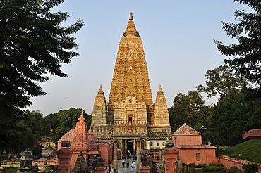 Mahabodhi Temple, UNESCO World Heritage Site, Bodh Gaya (Bodhgaya), Gaya District, Bihar, India, Asia