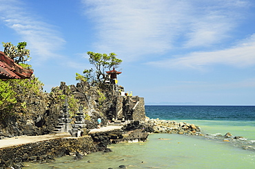 Pura Batu Bolong Temple, south of Senggigi, Lombok, Indonesia, Southeast Asia, Asia