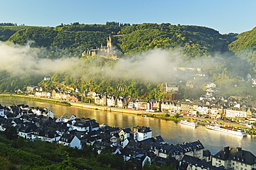 View of Cochem with Imperial Castle and Moselle River (Mosel), Rhineland-Palatinate, Germany, Europe