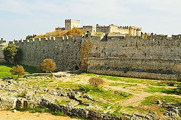 City walls of Old Town and Palace of the Grand Master, Rhodes City, Rhodes, Dodecanese, Greek Islands, Greece, Europe
