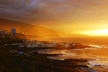 View of Punta Brava and Playa Jardin at sunset, Puerto de la Cruz, Tenerife, Canary Islands, Spain, Atlantic, Europe