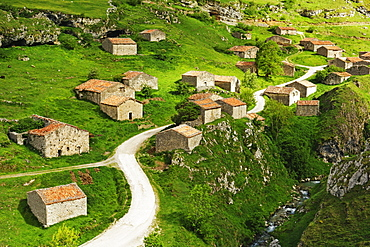 Old farmhouses near Sotres, Picos de Europa, Parque Nacional de los Picos de Europa, Asturias, Cantabria, Spain, Europe