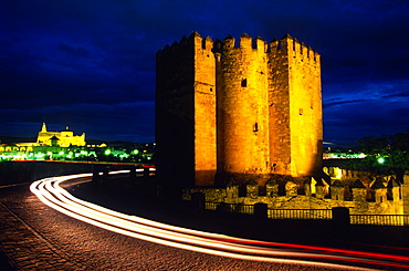 The Calahorra Tower at night with the Mezquita in the distance, Cordoba, Andalucia, Spain, Europe