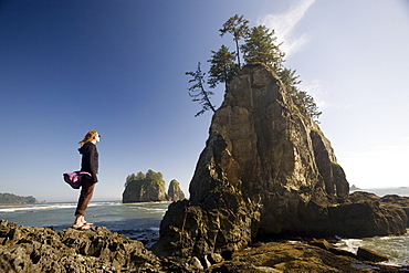 Young woman enjoying the coast, Second Beach, Olympic National Park, UNESCO World Heritage Site, Washington State, United States of America, North America
