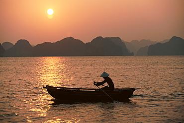 Halong Bay, Vietnam, Indochina, Southeast Asia, Asia