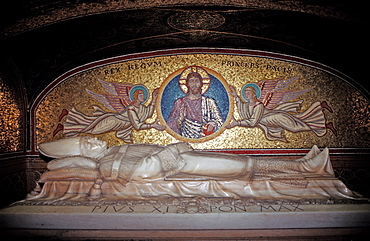Grave, St Peters Basilica, Italy, Rome, Vatican City