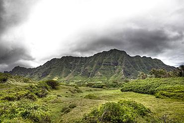 Koolau Range near Kualoa Ranch, Oahu, Pacific Ocean, Hawaii, USA