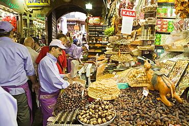 Main Passage at Egyptian Bazaar, Istanbul, Turkey