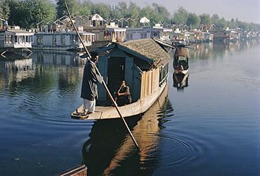 Houseboats on the lake at Srinagar, Kashmir, Jammu and Kashmir State, India, Asia