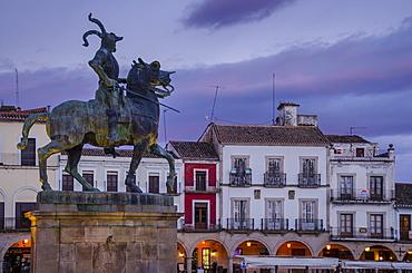 Francisco Pizarro statue in the Plaza Mayor, Trujillo, Caceres, Extremadura, Spain, Europe