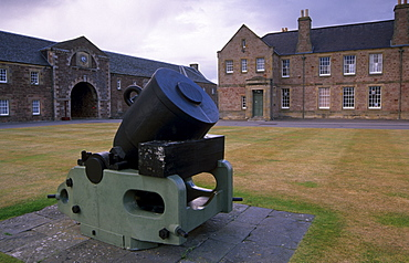 Thirteen inch iron mortar, Fort George, near Inverness, Highland region, Scotland, United Kingdom, Europe
