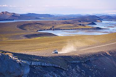 4X4 on Blautaver track near Ljotipollur, Tungnaa river valley behind, Landmannalaugar area, Fjallabak region, Iceland, Polar Regions
