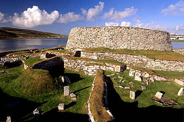 Clickhimin broch (fortified tower), Lerwick, Mainland, Shetland Islands, Scotland, United Kingdom, Europe