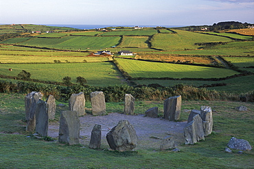 Drombeg Stone Circle, circa 200 B.C., comprising 17 stones, and nearby cooking and hut site, near Glandore, County Cork, Munster, Republic of Ireland, Europe