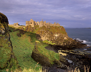 Dunluce Castle, originally occupied by the MacQuillan family and later the MacDonnells, besieged by the British in the 16th century, Portrush, County Antrim, Ulster, Northern Ireland, United Kingdom, Europe