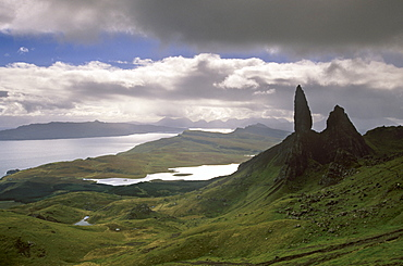 Eerie shape of the Old Man of Storr, overlooking Sound of Raasay, Isle of Skye, Inner Hebrides, Highland region, Scotland, United Kingdom, Europe