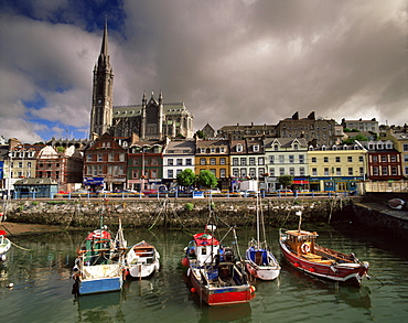 Cobh harbour and St. Colman's cathedral, Cobh (Cork), County Cork, Munster, Republic of Ireland (Eire), Europe