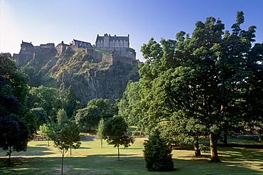 Castle Hill, basalt core of an extinct volcano, Edinburgh, Scotland, United Kingdom, Europe