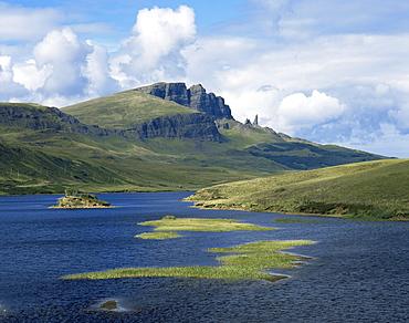 Loch Fada and the Storr, 719m, Isle of Skye, Scotland, United Kingdom, Europe