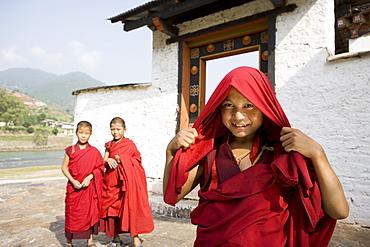 Buddhist monks, Punakha Dzong, Punakha, Bhutan, Asia